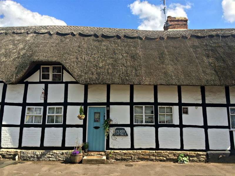 2 Bedrooms Terraced House for sale in Mercia Cottage, Main Street, Evesham