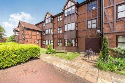 1 Bedroom Retirement Property for sale in Tudor Court, Grassendale, Liverpool, Merseyside, L19