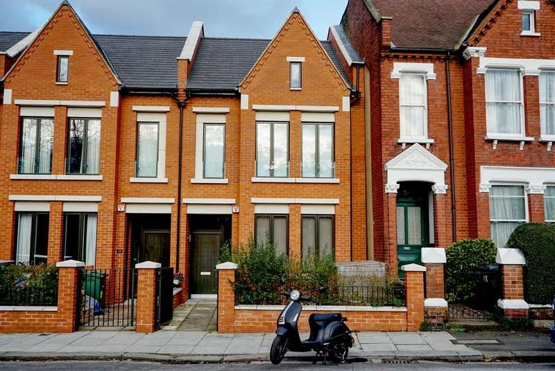 6 Bedrooms Terraced House for rent in Calais Street, SE5