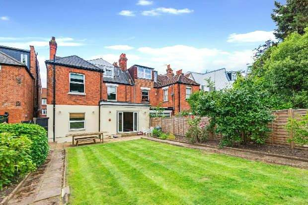 3 Bedrooms Flat for sale in Fortune Green Road, West Hampstead, NW6