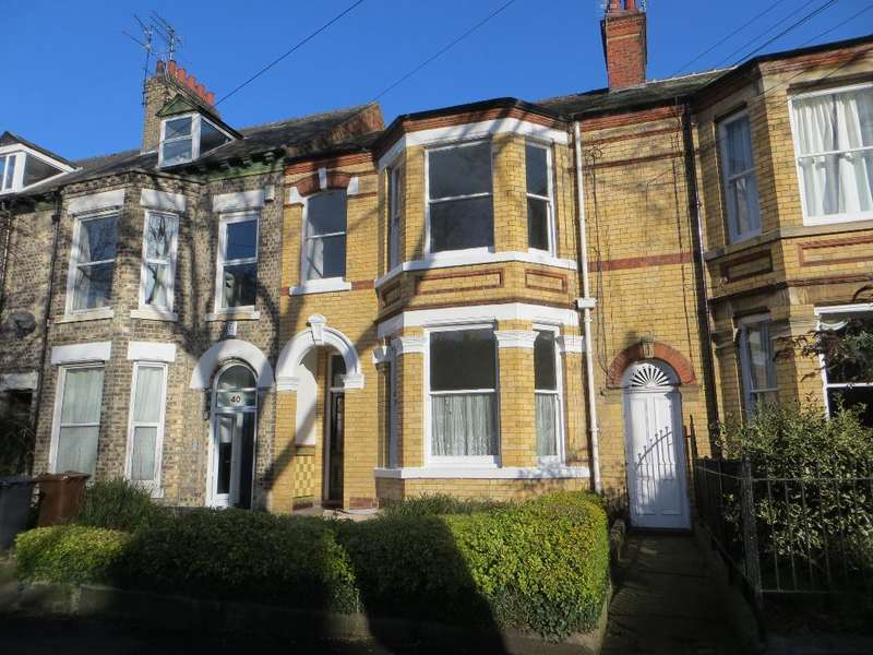 Block Of Apartments Flat for sale in Victoria Avenue, Hull, HU5 3DR