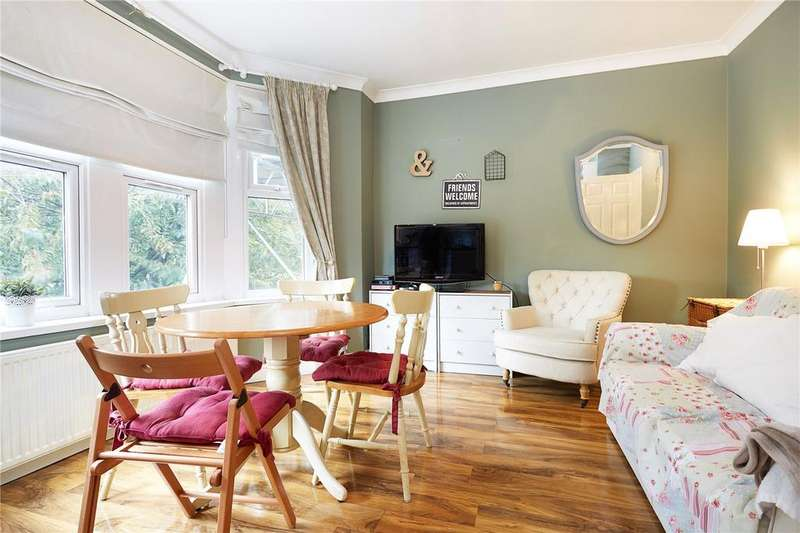 3 Bedrooms Flat for sale in Horn Lane, London, W3