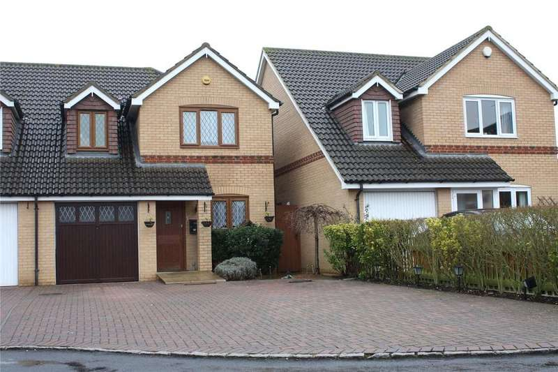 3 Bedrooms Semi Detached House for sale in Dovecote Road, Reading, Berkshire, RG2