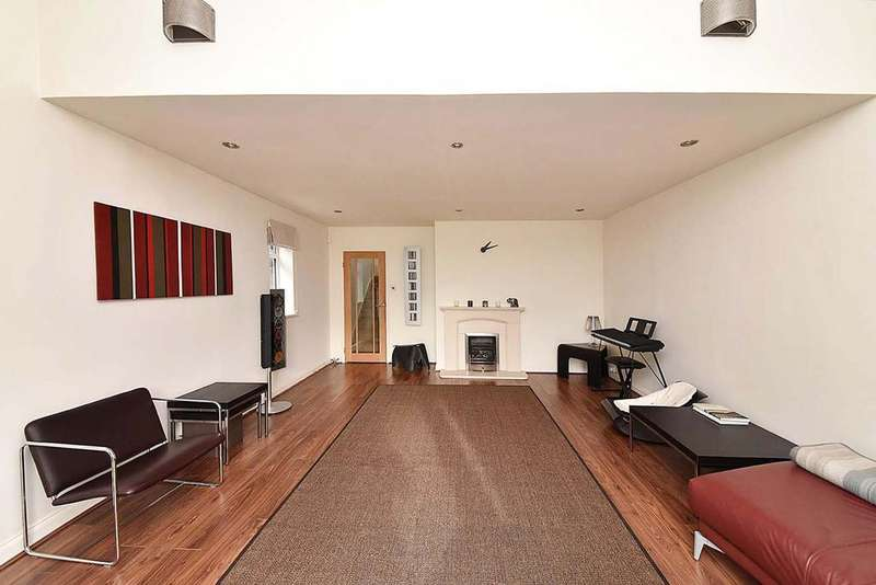 5 Bedrooms Detached House for sale in 1 Woodlands Road, Pownall Park, Wilmslow