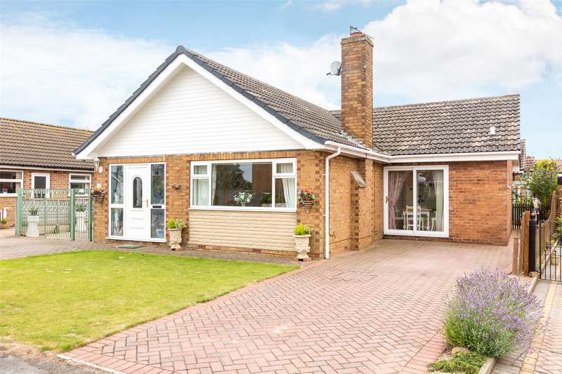 4 Bedrooms Detached Bungalow for sale in Greenacres Crescent, Brayton, Selby, YO8