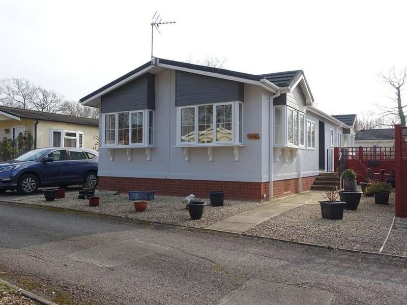 2 Bedrooms Mobile Home for sale in Trowbridge, Wiltshire