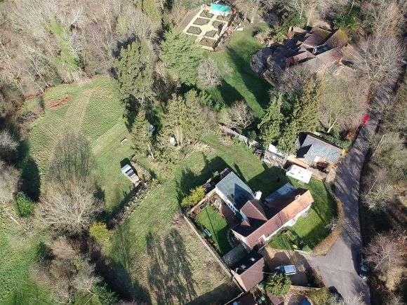 Semi Detached House for sale in Primrose Cottage, Haughurst Hill, Baughurst, Tadley