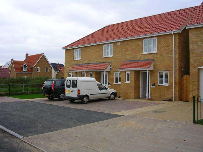 2 Bedrooms House for rent in 45 Killlick Cresent