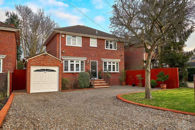 4 Bedrooms Detached House for sale in Gloucester Drive, Wraysbury, Staines-Upon-Thames, TW18