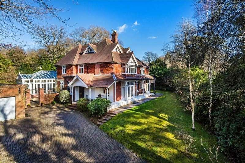 6 Bedrooms Detached House for sale in Eden Vale, Dormans Park, East Grinstead, West Sussex, RH19