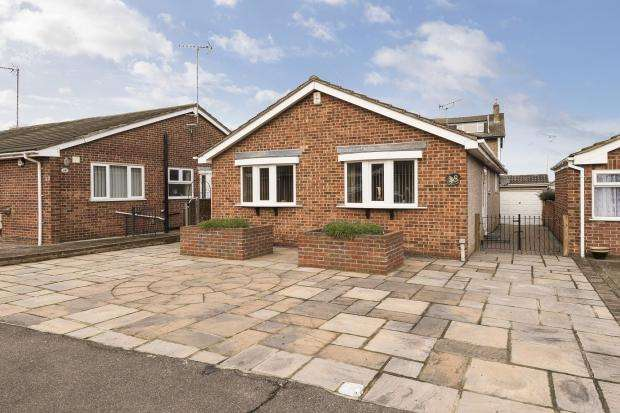 3 Bedrooms Bungalow for sale in Christchurch Avenue, Erith, DA8