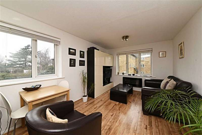1 Bedroom Flat for sale in Oakridge Drive, East Finchley, London, N2
