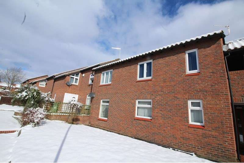 2 Bedrooms Property for sale in Caplestone Close, Lambton, Washington, Tyne and Wear, NE38 0PT