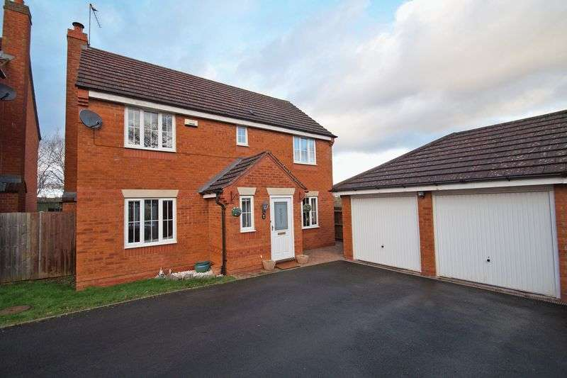 4 Bedrooms Property for sale in Ticknall Close Brockhill, Redditch