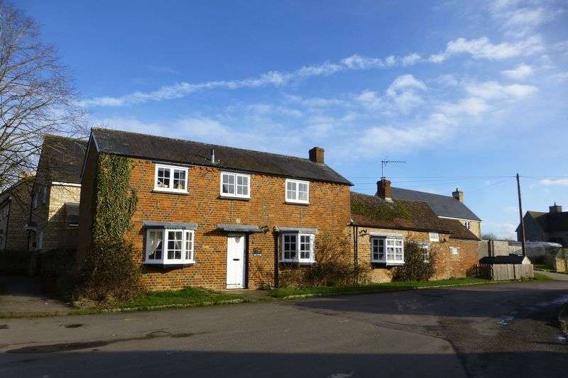 3 Bedrooms Property for sale in Clements Lane, Marsh Gibbon, Bicester