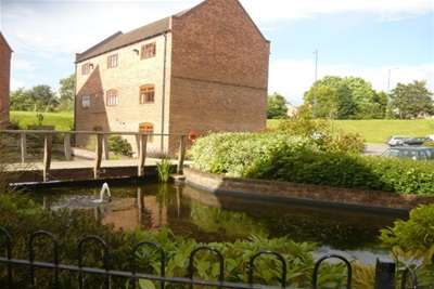 2 Bedrooms Flat for rent in The Watermill, Kingsbury