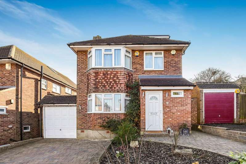 3 Bedrooms Detached House for sale in Winterborne Avenue Orpington BR6