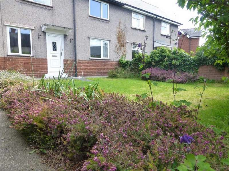 3 Bedrooms Semi Detached House for rent in Cae Gwilym Lane, Cefn Mawr, Wrexham