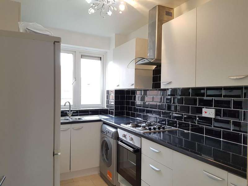 3 Bedrooms Apartment Flat for rent in High Road, London