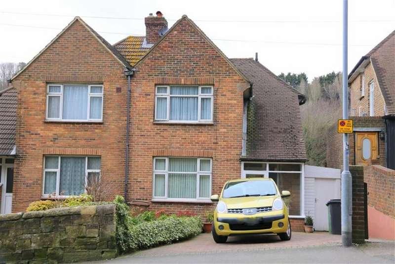 3 Bedrooms Semi Detached House for sale in Harold Road, Hastings