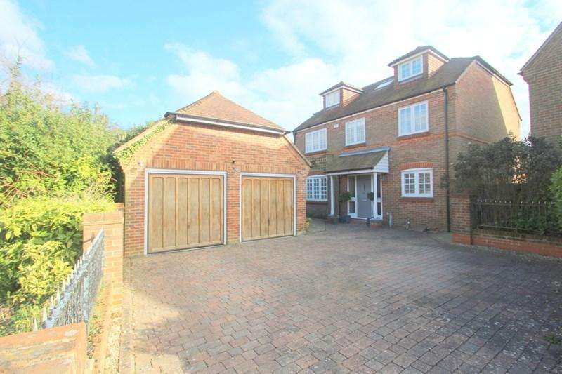 5 Bedrooms Detached House for sale in Meadow Lane, Hamble, Southampton