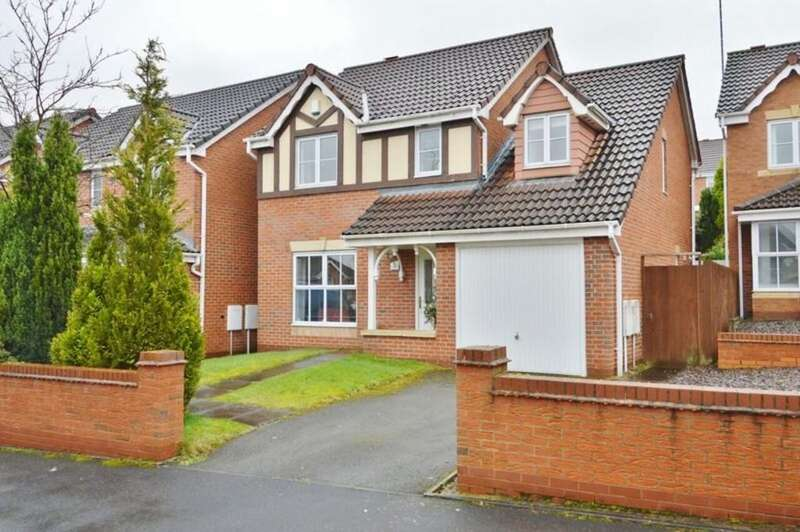 4 Bedrooms Detached House for sale in Monarchy Close, Rugeley