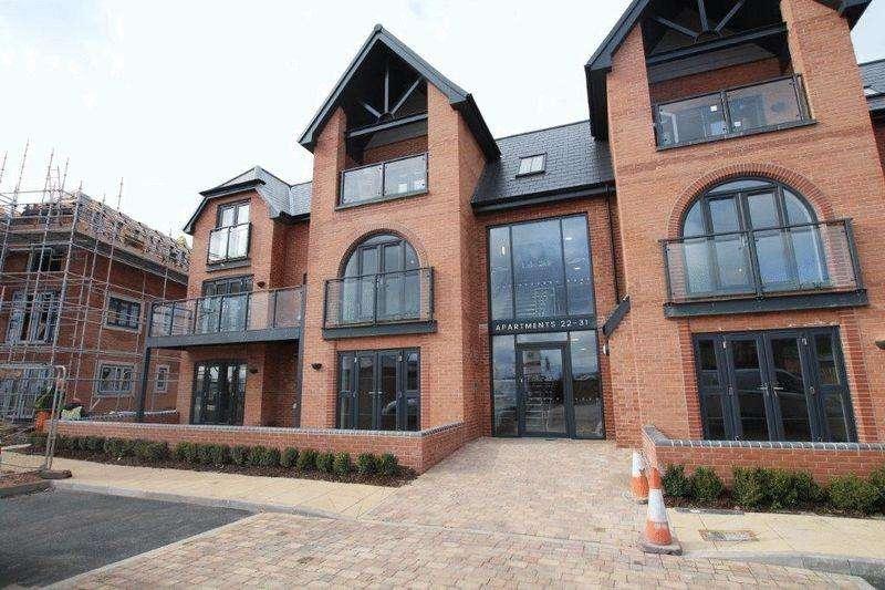 2 Bedrooms Apartment Flat for rent in Lakeside Barton Marina, Barton Under Needwood