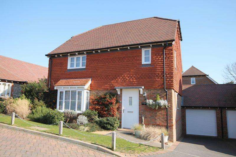 4 Bedrooms Detached House for sale in Hassocks Close, Hassocks, West Sussex,