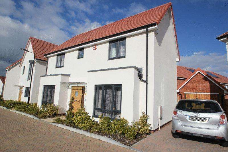 4 Bedrooms Detached House for sale in Cole Avenue, Southend-On-Sea