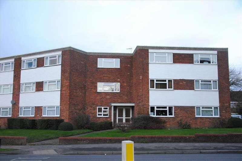 2 Bedrooms Flat for rent in Heath Hall, Baldock, Herts, SG7 6DT