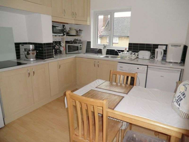 3 Bedrooms Property for sale in Odeon Parade, Greenford