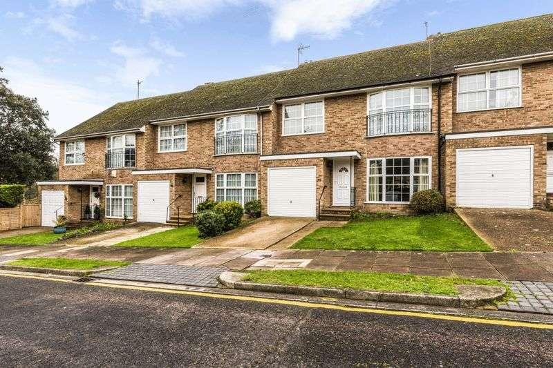 4 Bedrooms Property for sale in Beechwood Crescent, Eastbourne