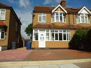 4 Bedrooms Property for sale in Oakwood Drive, Edgware