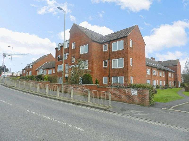 1 Bedroom Property for sale in Homewater House, Waterlooville, PO7 7JZ