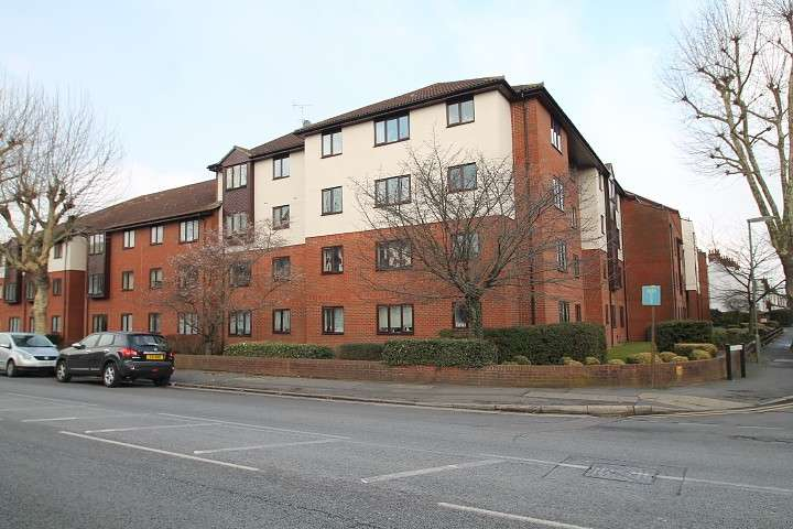 1 Bedroom Flat for sale in Romana Court, Sidney Road, Staines-Upon-Thames, TW18