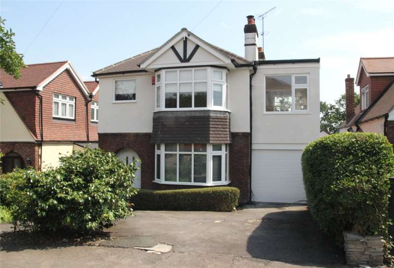 4 Bedrooms Detached House for sale in Dukes Avenue, Theydon Bois, Epping, Essex, CM16