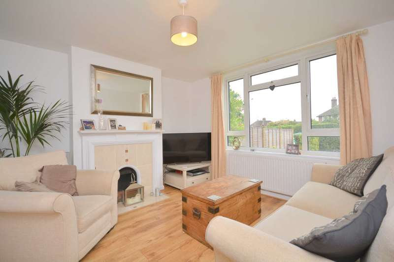 3 Bedrooms Semi Detached House for rent in Hundred Acres Lane, Amersham HP7