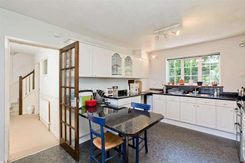4 Bedrooms Detached House for rent in Brook Street, Cuckfield