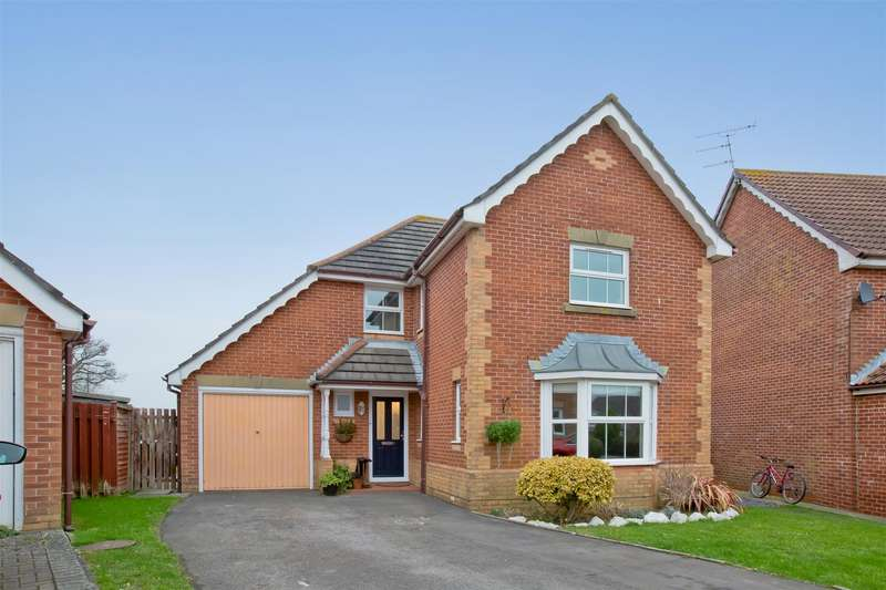 4 Bedrooms Detached House for sale in Bretton, Burgess Hill