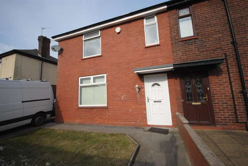 3 Bedrooms Town House for sale in Beech Hill Avenue, Beech Hill, Wigan.