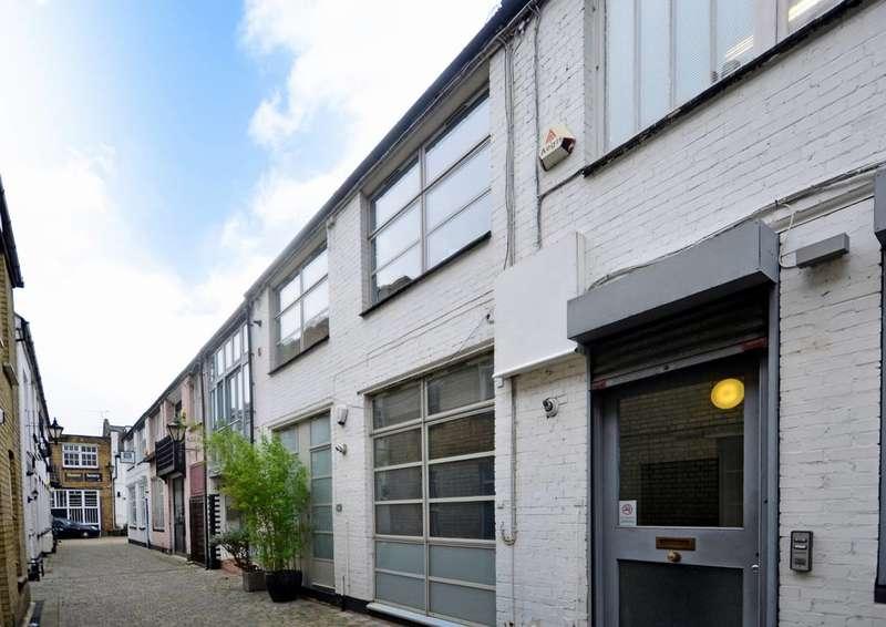 1 Bedroom Flat for sale in Blackstock Mews, Highbury, N4