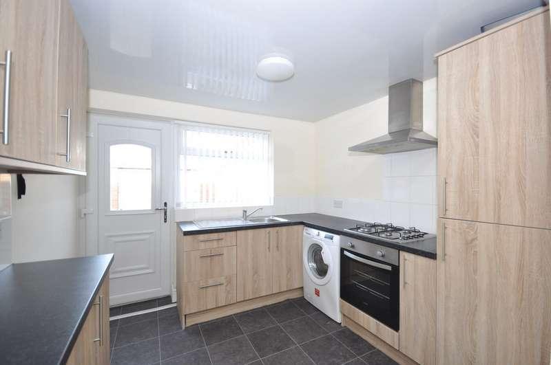 5 Bedrooms Semi Detached House for rent in Hylton Road, Millfield, Sunderland SR4
