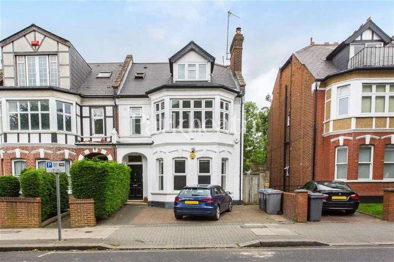 2 Bedrooms Flat for sale in Blenheim Gardens, Willesden Green, London