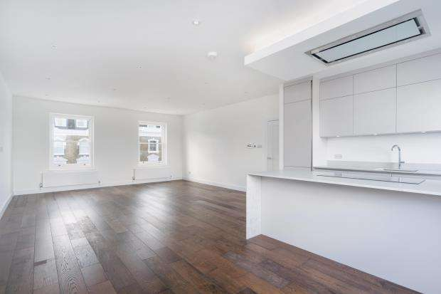 3 Bedrooms Flat for sale in Gloucester Avenue, Primrose Hill, London, NW1