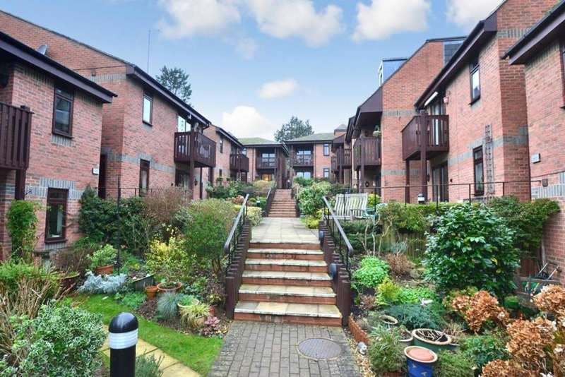 2 Bedrooms Apartment Flat for sale in High Street, Buckingham
