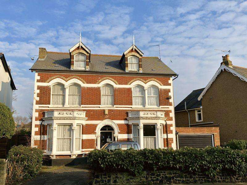 8 Bedrooms Detached House for sale in Parkhurst Road, Bexley