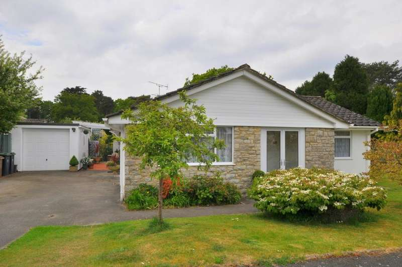 3 Bedrooms Detached Bungalow for sale in St Ives, Ringwood, BH24 2PW