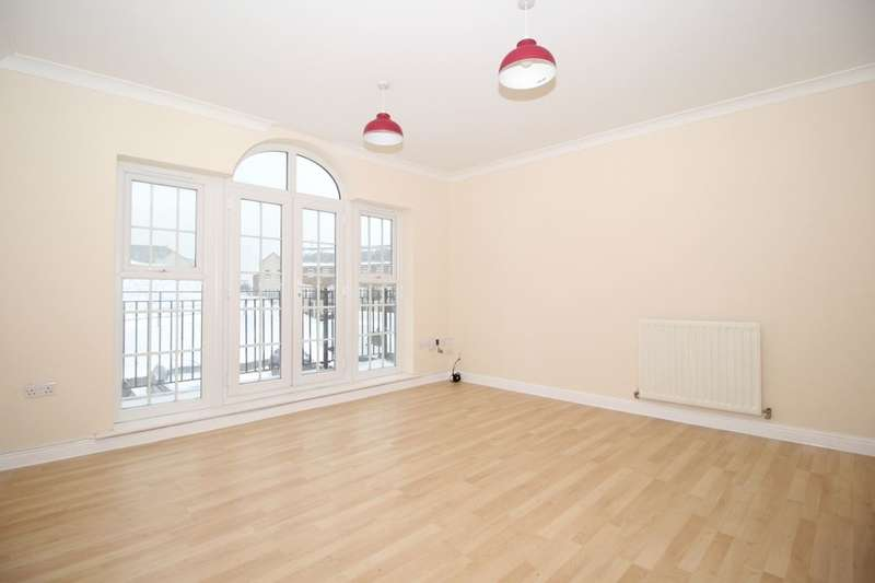 2 Bedrooms Flat for sale in Palladian Circus, Greenhithe, DA9