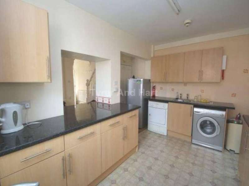 4 Bedrooms House Share for rent in Connaught Road, Liverpool