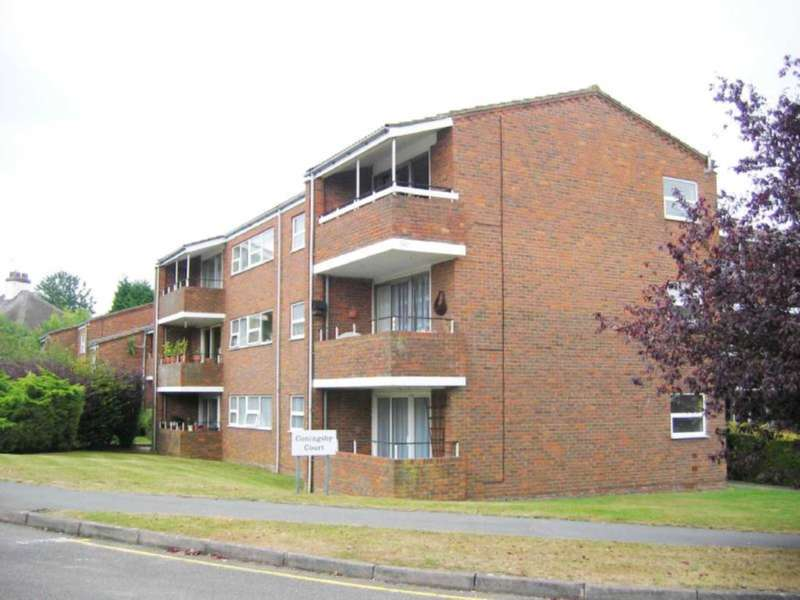 2 Bedrooms Flat for rent in Coningsby Court The Dell, Radlett
